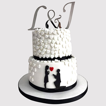2 Layered Couple In Love Cake: Gifts for Wedding