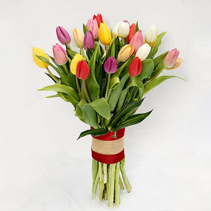 باقة مكونة من 25 زهرة توليب مشكلة: Love and Romance Gifts