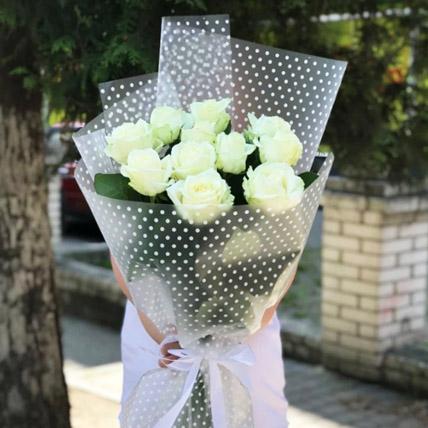 باقة الورد الأبيض: هدايا الذكرى السنوية للزوج أون لاين