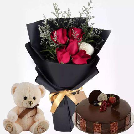 كيكة الشوكولاتة مع زهور ودمية الدب: هدايا يوم الدبدوب أون لاين