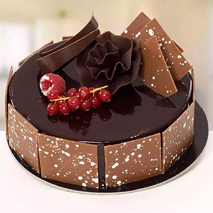 كيكة الفودج اللذيذة: Happy New Year Cake
