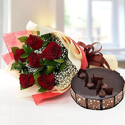 باقة ورد أنيقة مع كيكة الشوكولاتة: أفضل هدية للزوجة أون لاين