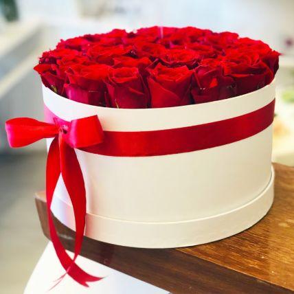 تنسيق الصندوق الابيض للورود الحمراء الرومانسية: تنسيقات ورد أون لاين
