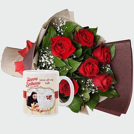 Roses Bouquet And Personalised Mug: هدايا حسب الطلب لعيد الحب