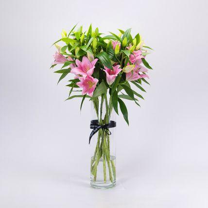 Serene Pink Oriental Lilies Vase Arrangement: زهرة الزنبق أون لاين