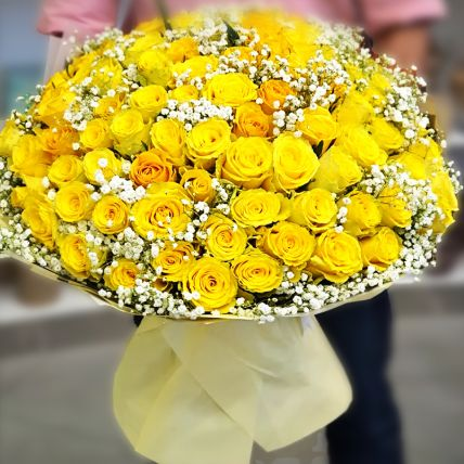 Alluring Yellow Roses Beautifully Tied Bouquet