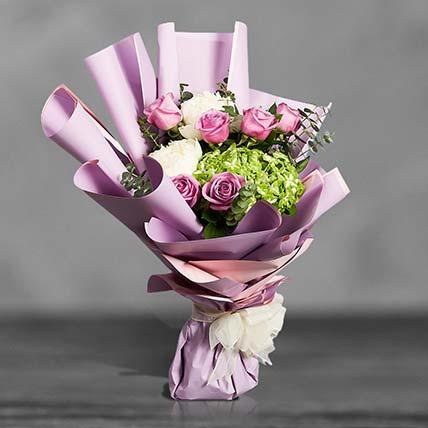 باقة جمال الفاونيا مع الورود والهدرانج