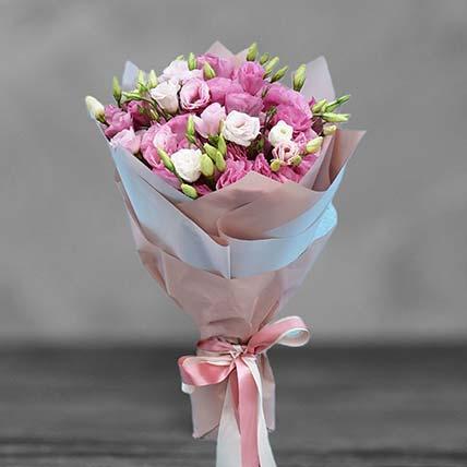 باقة أنيقة من زهور الليزيانثوس الوردية