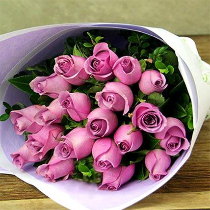 باقة مكونة من 20 وردة زهرية