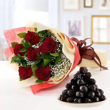 Bunch of 6 Red Roses & Ajwa Dates 500 Gms