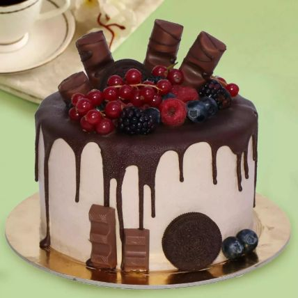 Candy Topped Choco Cake 12 Portion