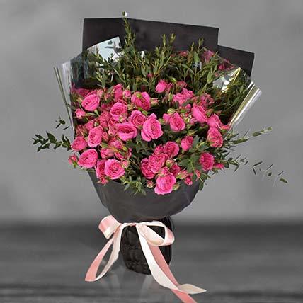 باقة زهور السبراي باللون الكرزي