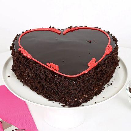 Fabulous Heart Cake 1.5 Kg