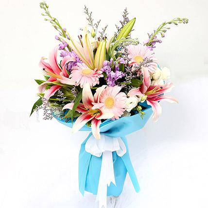 باقة ملكية من زهور الجرييرا والخزامى