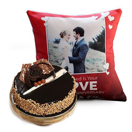 Love Anniversary Cushion And Rose Noir Cake Half Kg