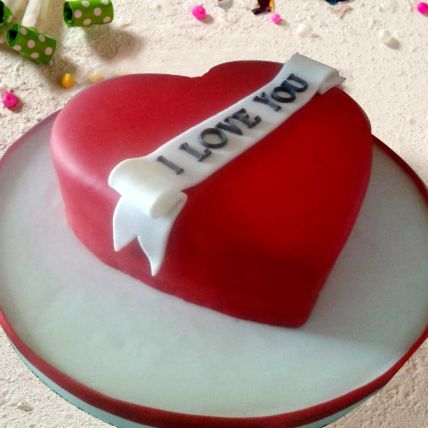 Lovely Heart Shaped Cake 16 Portions Vanilla