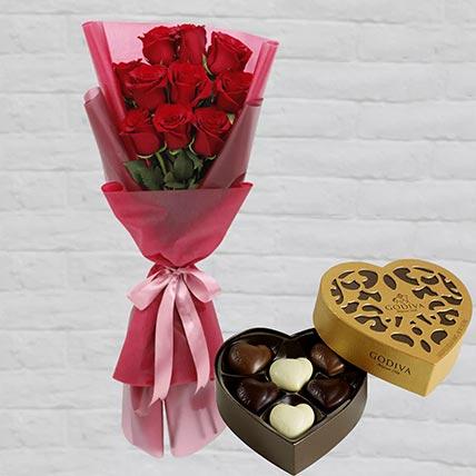 Romantic Red Roses Posy & Godiva Chocolates 250 gms