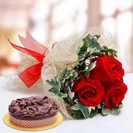 Roses & Chocolate Mousse Cake 12 Portions
