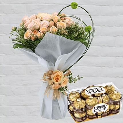باقة ورد سبراي مع شوكولاتة فيريرو روشيه 16 قطعة