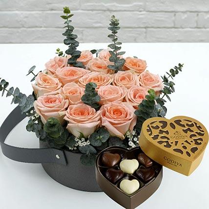 Sweet Pink Roses & Godiva Chocolates 250 gms