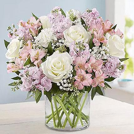 مزهرية مليئة بالرومانسية