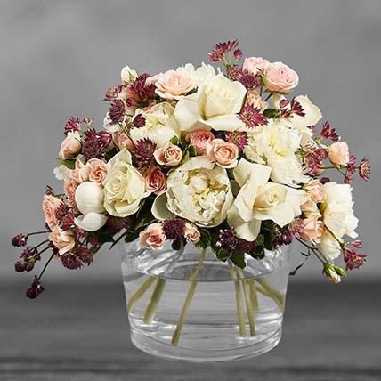 همسات من جمال الورد