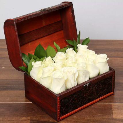 زهور السيرين البيضاء